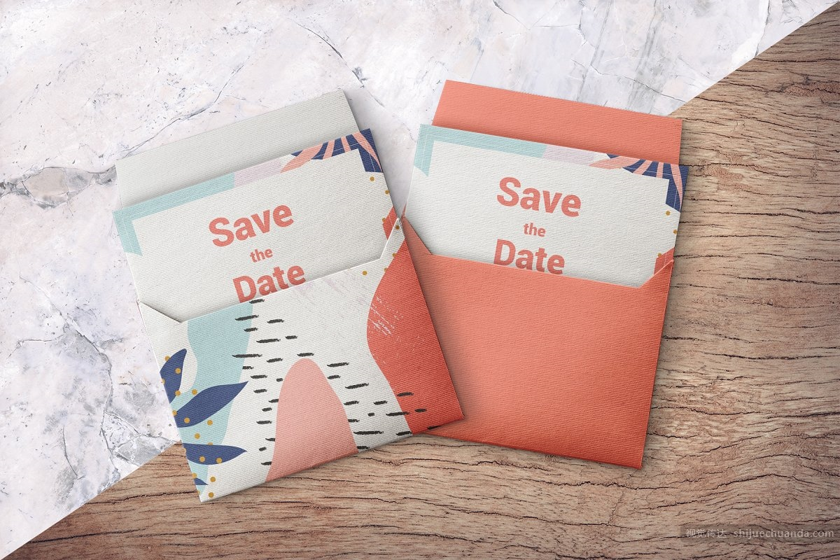 信封邀请卡样机模板 Open Envelope With Card Mockup